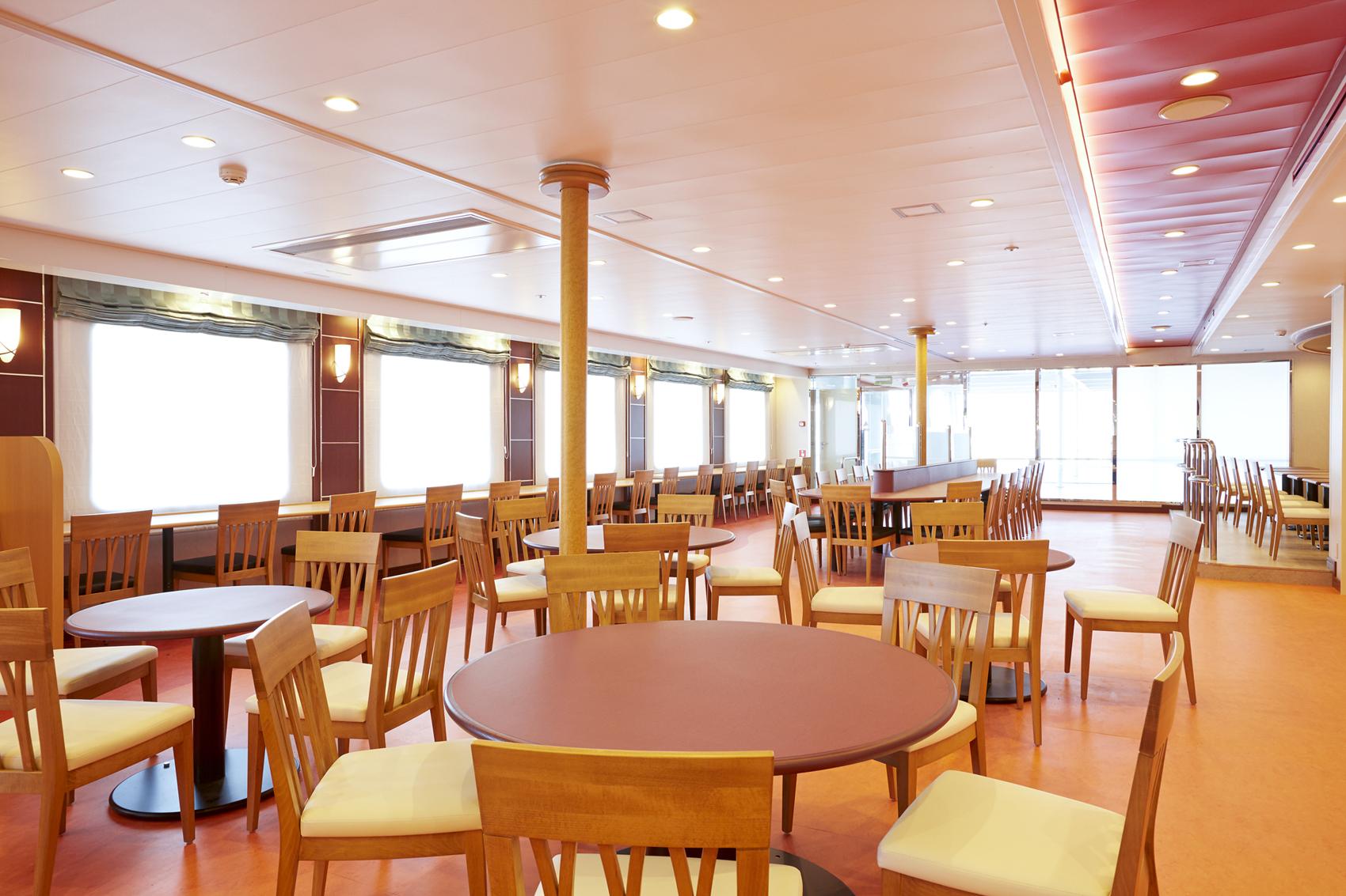 新日本海フェリー「らべんだあ」レストラン